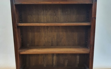 A mahogany bookcase, with adjustable shelves, 83 cm wide