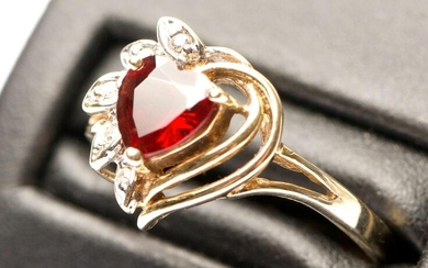 Gold Ring with Heart-Shaped Red-Cut Gemstone