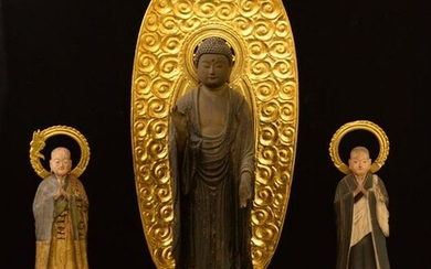 Sculptures (3) - Natural solid wood and lacquered gold - Amida Nyorai with two monk assistants - Showing extreme beauty in their carvings and expressions - Japan - Late 19th century (Meiji period)