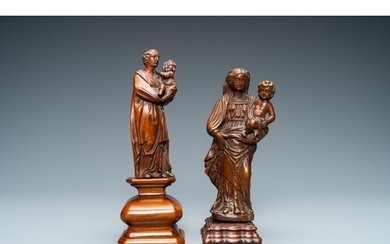 Two wooden figures of a Madonna with child, 17/18th C.H.: 20...
