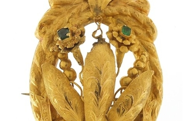 Large unmarked gold naturalistic brooch (tests as 9ct gold) ...