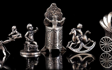 (-), Lot of 5 silver miniatures: figure at...