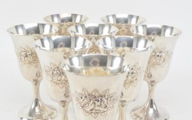Set of 8 Stieff sterling silver hand chased floral