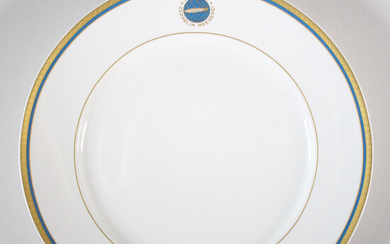 VILLEROY & BOCH. Manufactory Heinrich W. Germany, 'Collecting plate Zeppelin airship LZ 127' Graf Zeppelin ', ed. 1500 pieces, with certificate.