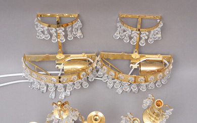 WALL LAMPS & CANDLES, 5 pcs, prisms & brass.