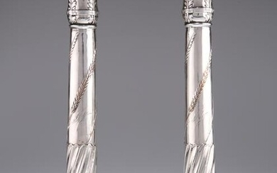 A PAIR OF OLD SHEFFIELD PLATE CANDLESTICKS, CIRCA 1790
