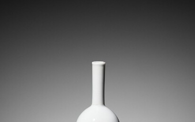 A WHITE-GLAZED MINIATURE BOTTLE VASE, QIANLONG SEAL MARK AND OF THE PERIOD