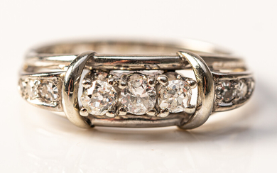 Ring, 585 white gold with diamonds.