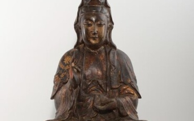 Sculpture (1) - Natural solid wood and lacquer gold - Exquisite statue of Guanyin Buddha - China - Qing Dynasty (1644-1911)