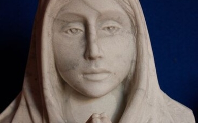 Sculpture of the Virgin Mary - White Statuary Marble of Carrara - c.a. 1900