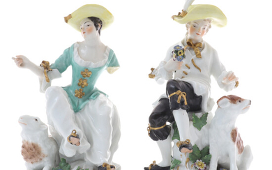 A PAIR OF CONTINENTAL PORCELAIN FIGURINES OF A SHEPHERD AND SHEPHERDESS.