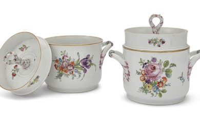 A PAIR OF RUSSIAN PORCELAIN ICE PAILS WITH LIDS FROM THE EVERYDAY SERVICE