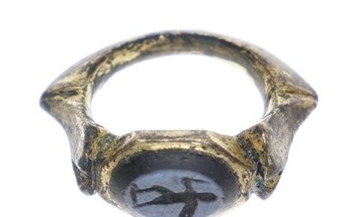 An attractive Roman-like (ancient) ring, with an intaglio in classical...
