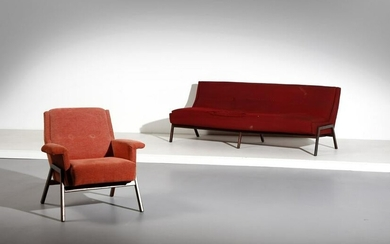 GIANFRANCO FRATTINI attributed. Sofa with armchairs.
