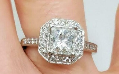 1 1/2ct t.w. PRINCESS CUT DIAMOND ENGAGEMENT RING in