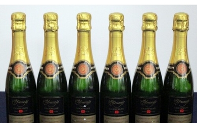 6 hf bts The Society's Champagne Private Cuvée Brut Champag...