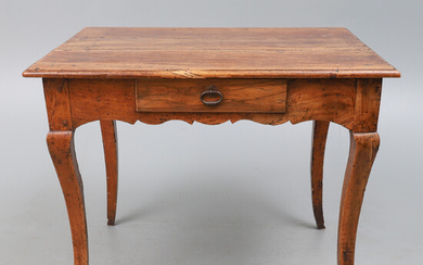 A FRENCH PROVINCIAL CHERRYWOOD SIDE TABLE, LATE 18TH/EARLY 19TH CENTURY.