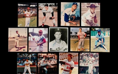A Group of 13 Baseball Hall of Fame Signed Autograph
