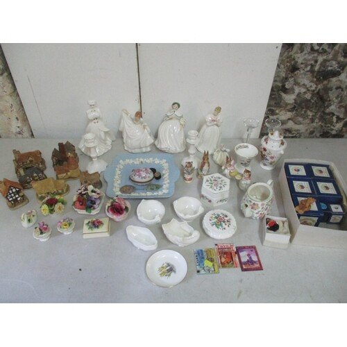 A mixed lot of ceramics and collectables to include fie Roya...
