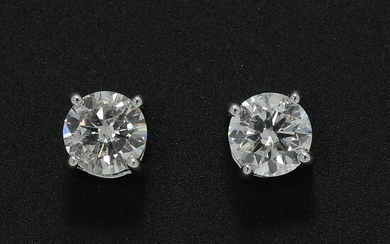 A pair of diamond solitaire ear studs each set with a brilliant-cut diamond weighing a total of app. 1.04 ct., mounted in 18k white gold. TW-W/P. (2) – Bruun Rasmussen Auctioneers of Fine Art