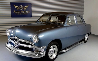 Ford - Custom DeLuxe 4door - 1950