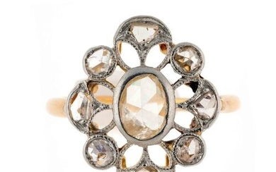 "Gold and platinum ""flower"" ring enriched with rose-cut diamonds -..."