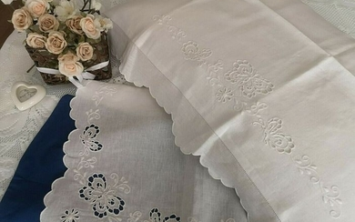 Linen sheet with embroidery Entirely hand carved - 265 x 285 cm - Linen - 21st century