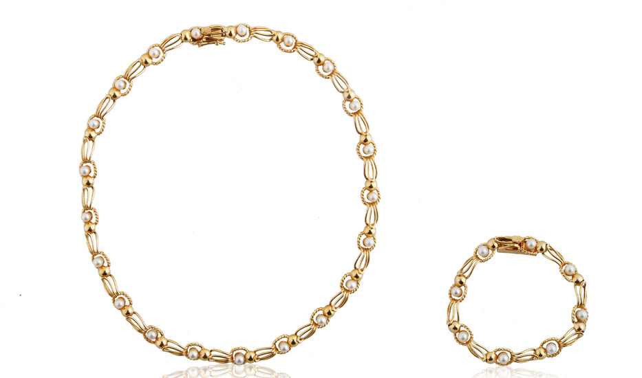 PEARL AND 18KT GOLD BRACELET AND NECKLACE SET