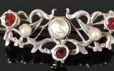 Brooch set with mother-of-pearl, seed pearls and garnets, floral motifs with small leaves, silver