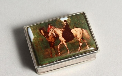 A SILVER AND ENAMEL SNUFF BOX, the lid decorated with