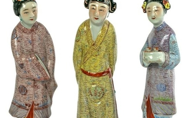 Chinese Export Porcelain Figurine Sculptures Group