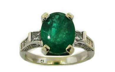 Emerald Diamond White Gold RING Solitaire with Accents