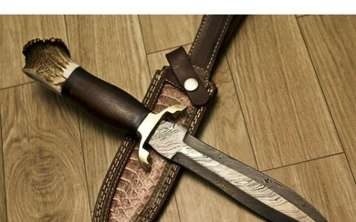 Exclusive hunting camping damascus steel knife stag