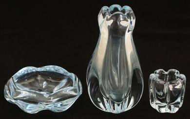 GLASS OBJECTS, 3 parts, Orrefors, including Vicke Lindstrand.