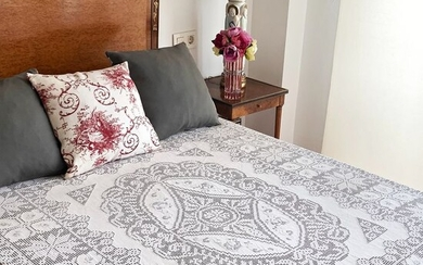 Pure linen bedspread, spectacular hand embroidered - 225 x 220 cm - Linen - Second half 20th century