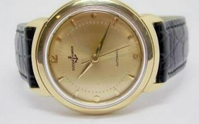 Solid 18k ULYSSE NARDIN Automatic Watch c.1960s in