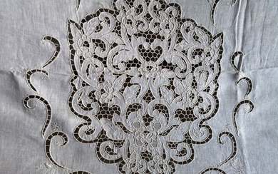 100% linen curtain with hand carving embroidery - 267 x 300 cm - Linen - 21st century