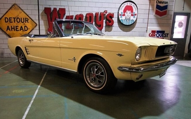 Ford - Mustang Convertible V8 - 1966