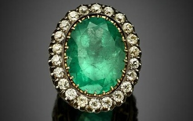 Oval ct. 30 circa emerald and diamond silver and gold