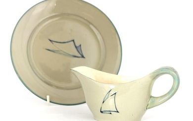 A MOORCROFT PLATE AND MATCHING SAUCE BOAT decorate