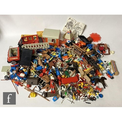 A collection of assorted action figures to include a Kenner ...