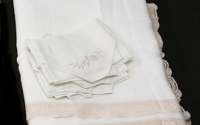 Embroidered table linen, 8 napkins