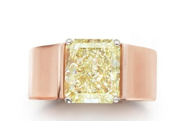 Gold and Fancy Yellow Diamond Ring