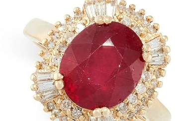 A RUBY AND DIAMOND RING in 14ct yellow gold, designed