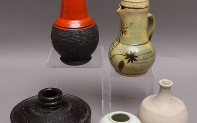 CERAMIC OBJECTS, 5 pcs, i. a. Norrman Motala, mid-20th century, Sweden.