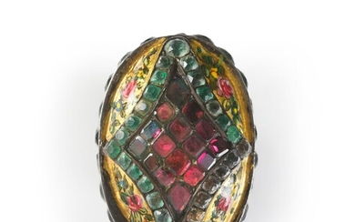 POMPONNE MESSAGE CASE, ENGLISH, 18th CENTURY. Of trapezoidal form, decorated with garlands of polychrome flowers on a gold background (Martin varnish) framed by a stylized motif set with Rhinestones and colored stones. The upper part opens by a...