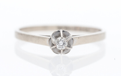 RING 18K white gold with brilliant 0. 04 ct.