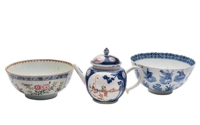 A Chinese blue and white lotus moulded bowl, a famille rose ...