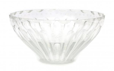 """A cut crystal bowl with text: """"Directeursprijs Glasstadconcours 6 juni 1949"""", with cut coat of arms of the city Leerdam."""
