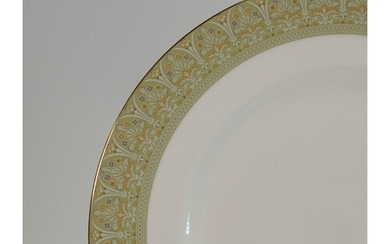 Extensive Royal Doulton Sonnet patterned dinner service to i...